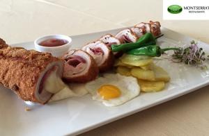http://oferplan-imagenes.ideal.es/sized/images/menu_restaurante_montserrat_oferplan-300x196.jpg